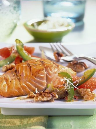 Grilled Salmon with Walnuts and Grapefruit