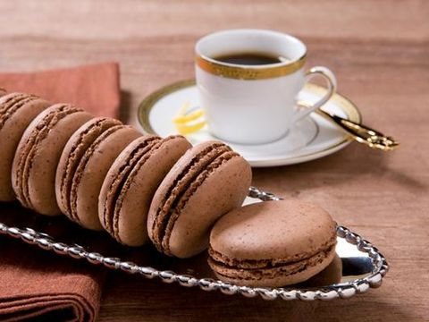 Walnut-Chocolate-Macarons